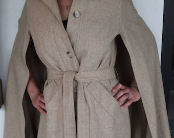 Super Sophistocated 1970s Wool Cape