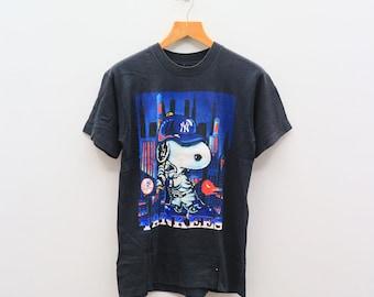 Vintage 90s YANKEES SNOOPY MLB Major League Baseball Sportswear Black Tee T  Shirt aa74aaf08