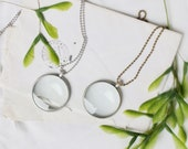 Magnifying Glass necklace. Reading monocle necklace. Loupe Necklace. Gift for mum. Gift for teacher
