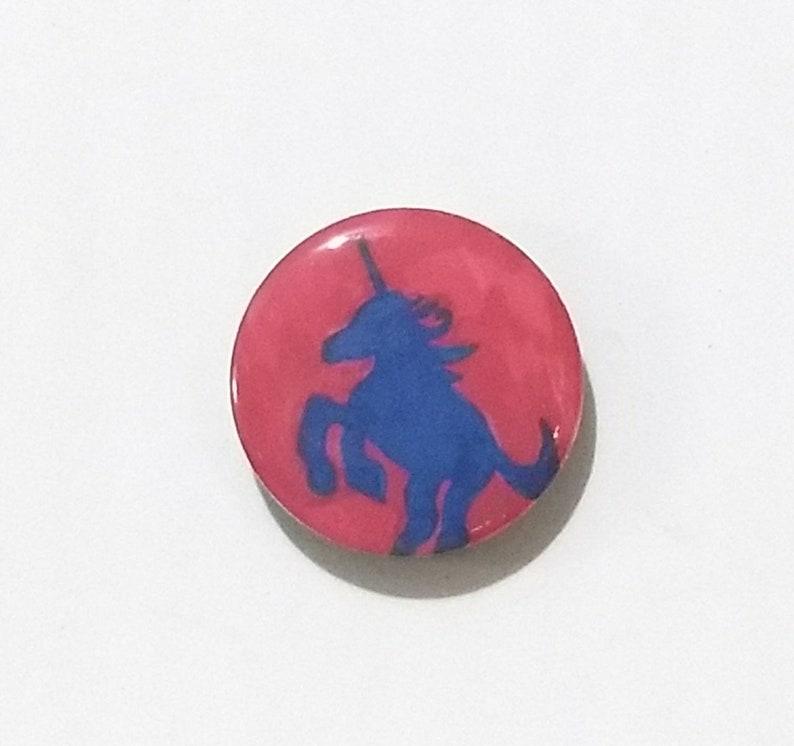 Unicorn fridge magnet image 0