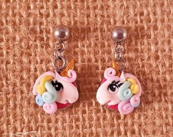 Orecchini unicorno,BETOY Orecchini a Forma di Unicorno Arcobaleno orecchino Argento Chiaro Rosa Scintillante per Bambine Gioielli per Bambini Festa di Compleanno con Scatola Regalo in Velluto