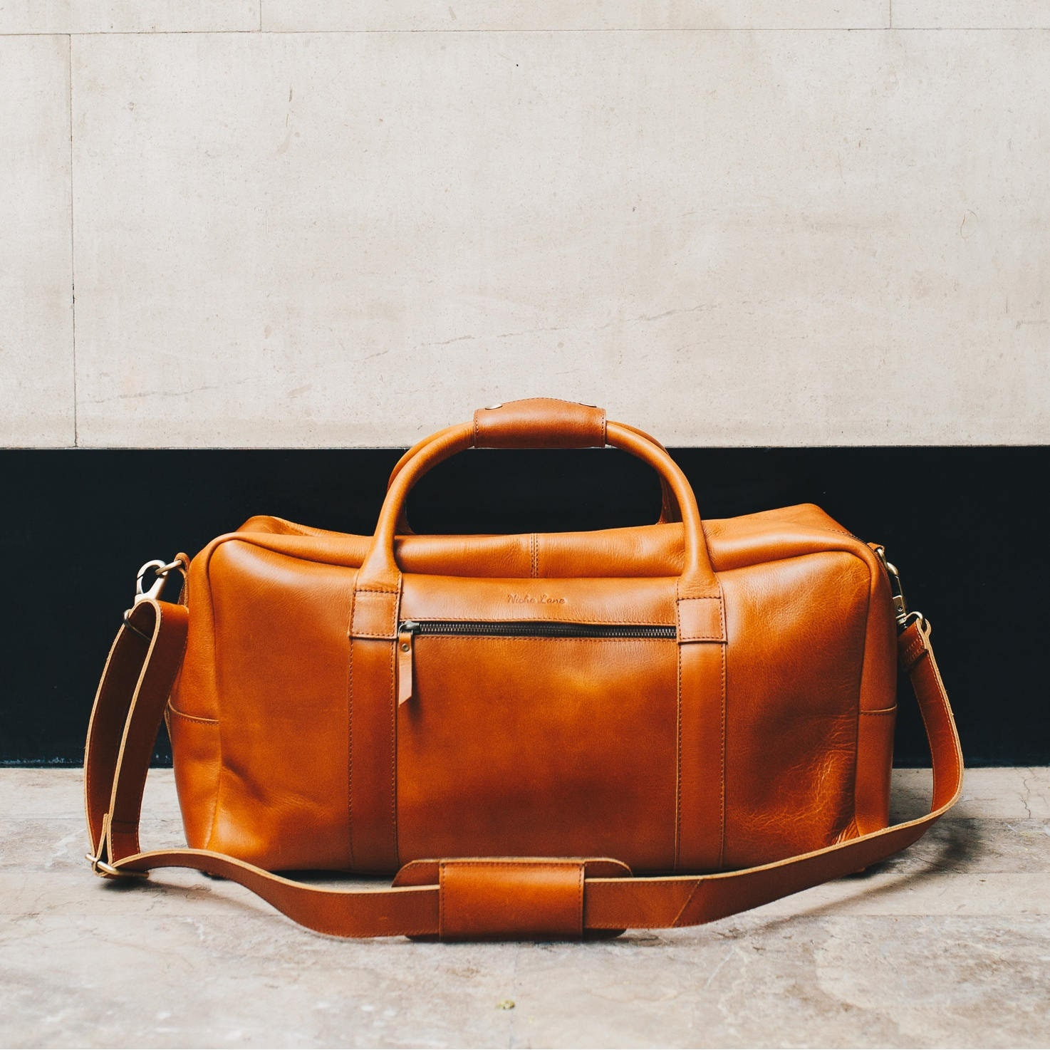 016ddd2235 Mens Leather holdall weekender overnight duffle bag cabin