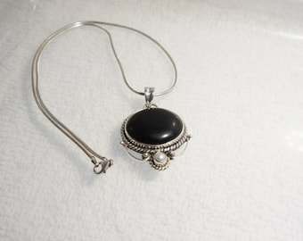 Sterling 925 Silver Black Onyx Pearl Victorian Style Pendant Necklace With 925 Snake Chain 16 Inch