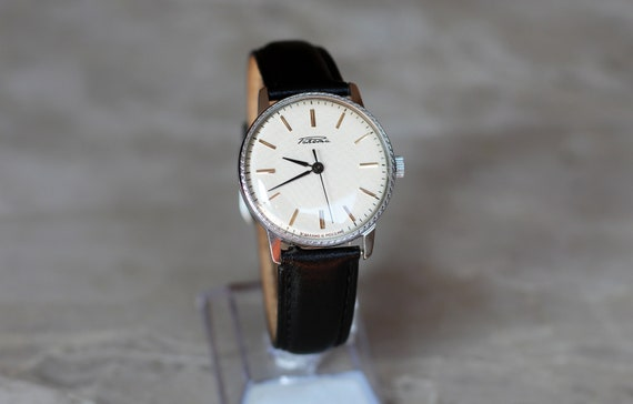 Vintage mechanical watch Raketa, guilloche dial, m