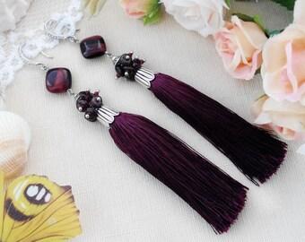 Garnet birthstone earrings Gemstone earrings for wedding Burgundy tassel earrings Maroon boho jewelry Long earrings Marsala tassel jewelry