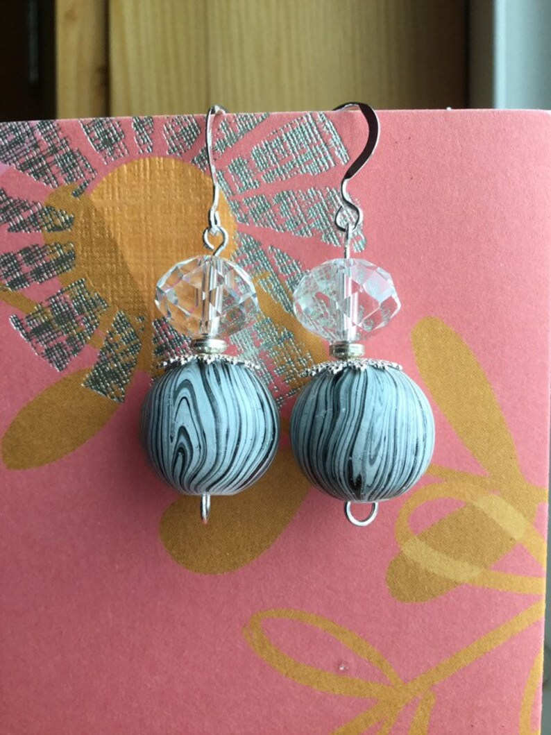 Sterling Silver /& Clear Acrylic Rondelles Silver-Plated Brass Filigree Bead Caps Beaded Earrings Black And White Striped Wood Rounds