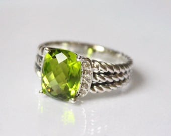 Used David Yurman 10x8 mm Green Peridot & DIAMOND Wheaton Ring Size 4.5