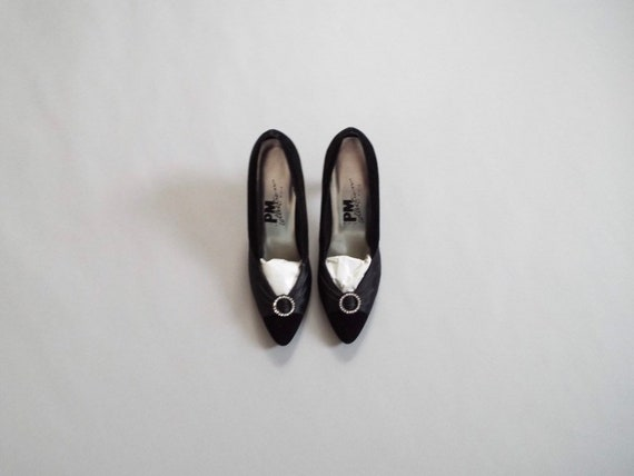 black velvet pumps | 1980s evening heels |  rhines