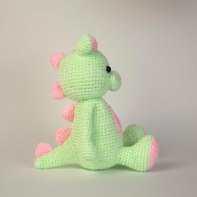 Go Handmade Jonas the Dragon amigurumi crochet kit & pattern ... | 794x794