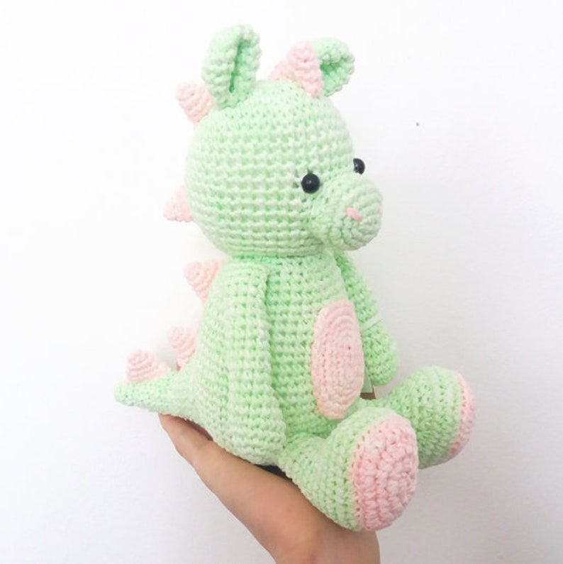 Hoooked DIY Crochet Kit Danny the Dragon Amigurumi Ribbon XL ... | 795x794