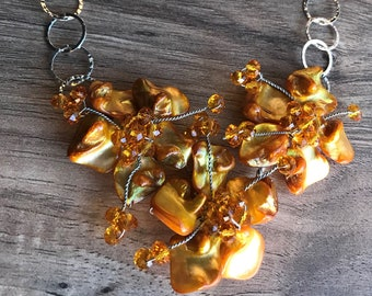 Flowers from mother of pearl, Czech glass, hammered silver chain FF23