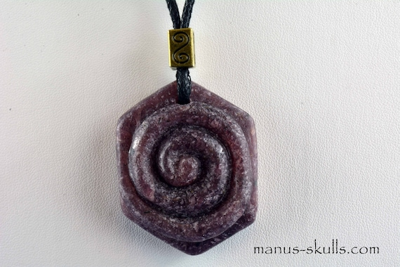 Large RUBY Pendant SPIRAL hand carved by Ivo Manus ...... 4.4 cm (#22)