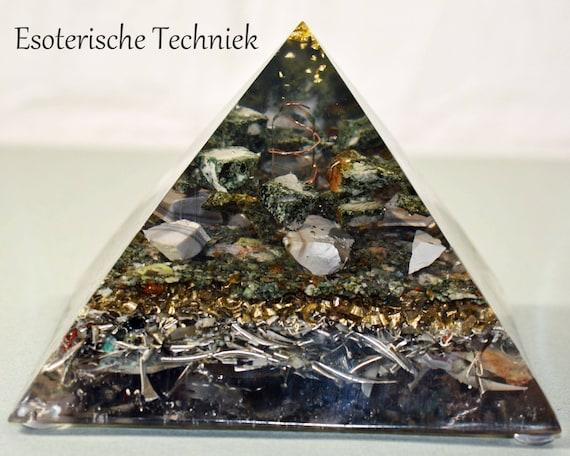XL Pyramid with Gold Leaf, Preseli Bluestone and Flint  (#002)