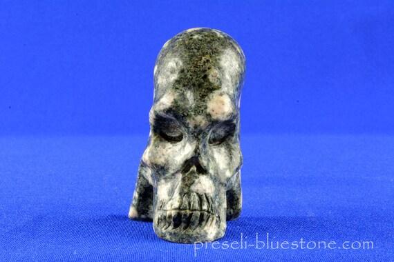 Meditative Manus PRESELI BLUESTONE Skull ......