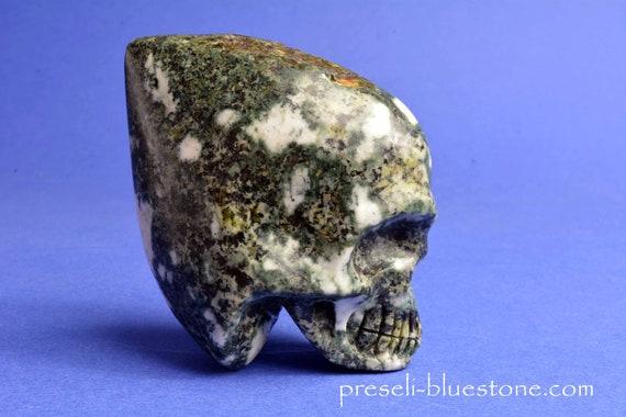 PRESELI BLUESTONE Manus Conehead Skull .....