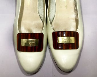 6ef4c2da814a Vintage Salvatore Ferragamo Cream Colored Pumps - Heels and Gold Buckle  with Logo 1960s - 1970s - Size 8 - 8 1 2 Narrow