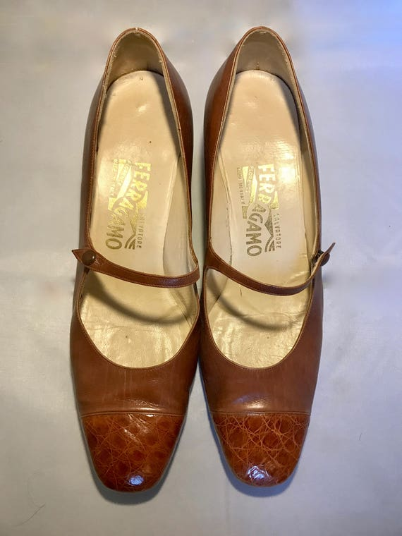 Vintage Salvatore Ferragamo Brown Mary Jane Pumps