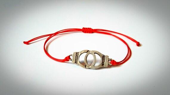 Bracelet en fil rouge menottes Bracelet en maillons souhait   Etsy 95dd9ef282e9