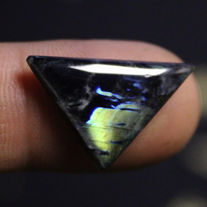 Top quality Handmade Very Rare gemstone Spectrolite cabochon Ylamaa Finland 23,6\u044519,6\u044518,6x3,7 mm Finnish Multicolor Natural Spectrolite