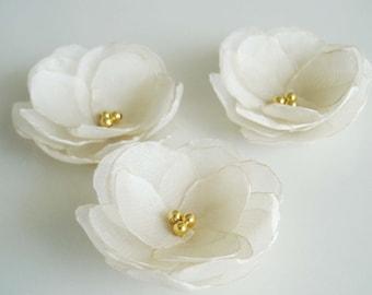 Silk flowers champagne bridal hair flower clips, Wedding hair accessory, Flower hair pins, Bridal hair flower gold pearl