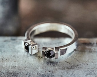 Simple open silver ring, black upcycled stone, original concept, eco-friendly, contemporary design, modern, minimalist, unique gift for her.