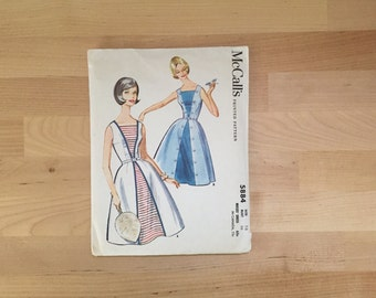 Vintage 1961 McCall's Printed Pattern No. 5884 Misses' Dress