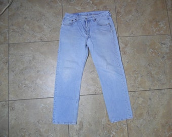 4ddd096aad7 VTG Levi's 501 Button Fly Light Wash Blue JEANS USA Made 34x30 Measured  32x29