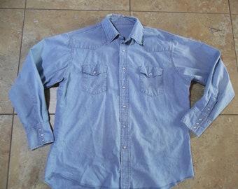dd04d2cb Vintage Denim Pearl-Snap Western Shirt Light Blue Denim Believed to be  Wrangler Fits Like XL