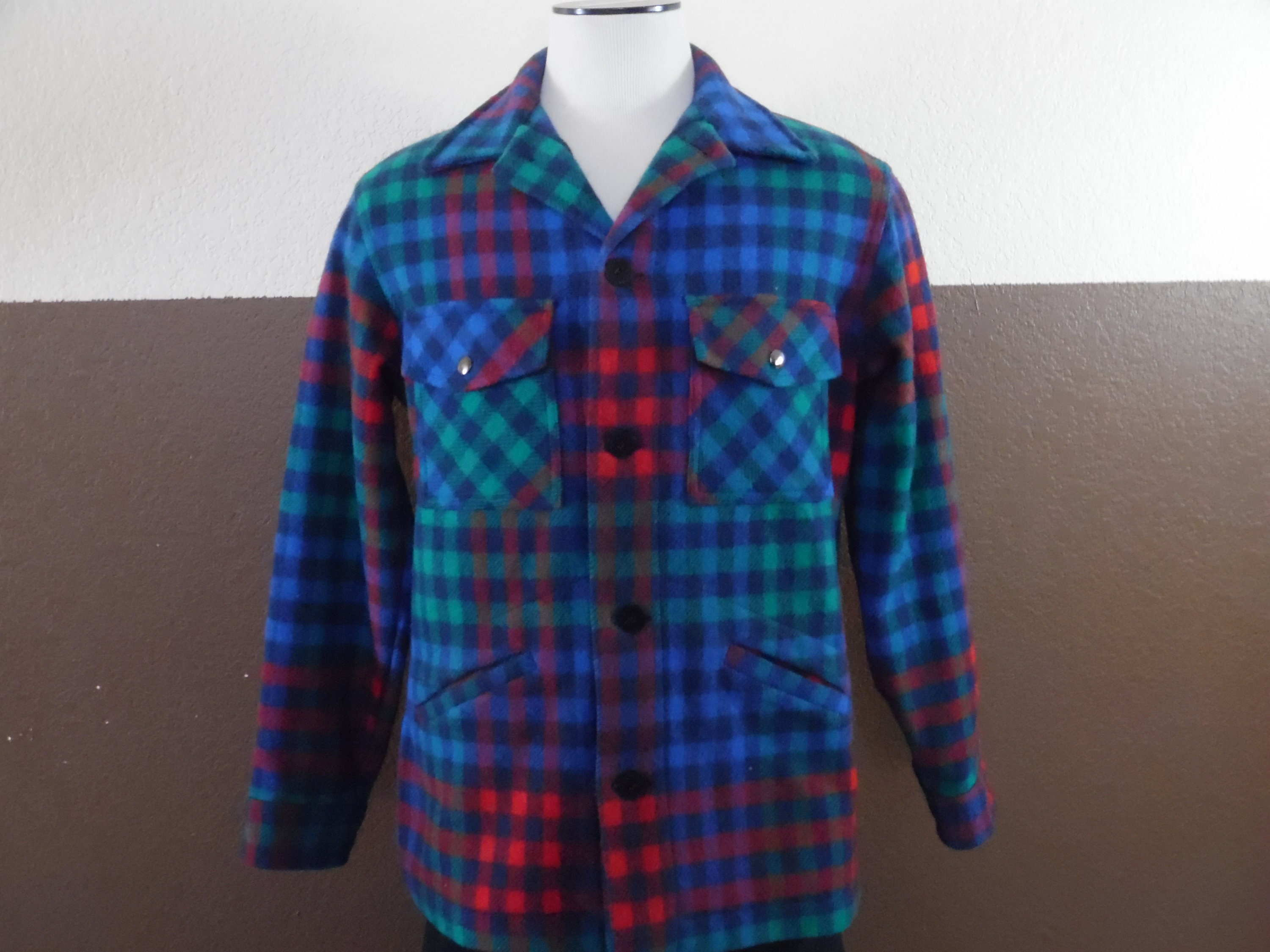 2cf196568abf8 Vintage Pendleton Plaid Wool Button Down Coat Men's Medium Made in USA Blue  Green Red