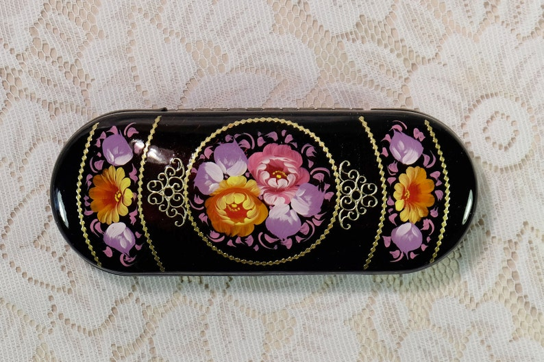 4dbe4ca5e93 Women Spectacle case Hard glasses case Hand painted Reading