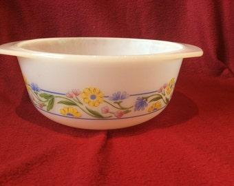 Arcuisine Yellow Flowers Casserole Dish 18cm diameter