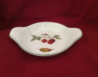 Royal Worcester Evesham Vale Entree Dish Cherries