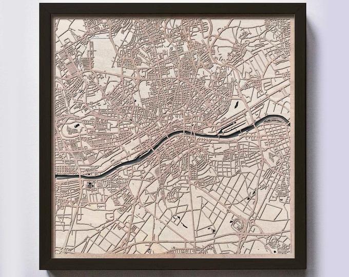 Frankfurt Wood Map - 5th Anniversary Gift - Custom Wooden Map Laser Cut Framed Maps Wall Art - Wedding Engagement Gift for Couple