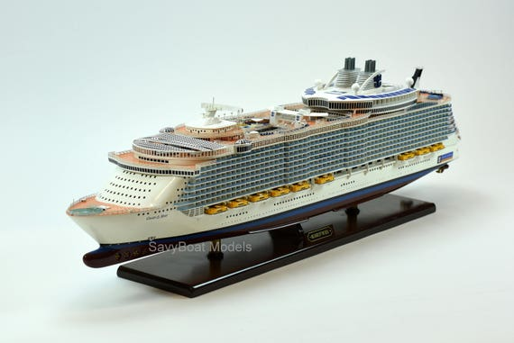 "SS Europa Ocean Liner Ship Model 37/"" Handmade Wooden Ship Model Scale 1:300"