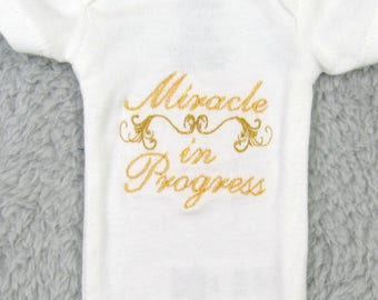 "Preemie bodysuit ""Miracle in progress"" - NICU clothes, preemie clothes, NICU outfit, preemie gift, NICU gift, preemie's first clothes"