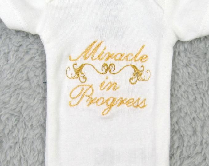 "Preemie bodysuit ""Miracle in progress"" - NICU clothes, preemie clothes, NICU outfit, preemie gift, NICU gift, preemie's first clothes"
