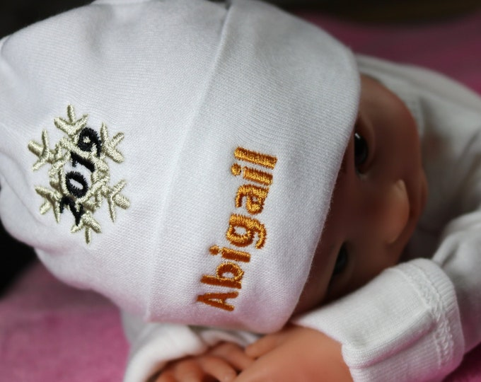 Personalized baby hat with 2019 snowflake - micro preemie / preemie / newborn / 0-3 months / 3-6 months