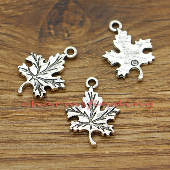 8 Flower connector charms antique silver tone F311