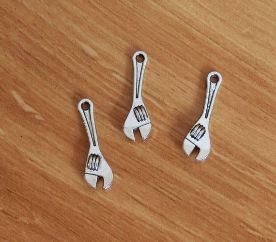 BULK 50 Wrench tool charms antique silver tone P599