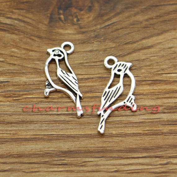 20pcs Bird Charms Sparrow or Swallow Charms Antique Silver Tone 21x21mm 1981