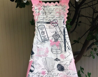 Kids Apron. Sewing Apron. Pink Apron. Childs Apron. Pink and Grey Apron. Vintage apron.