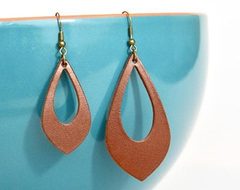 SUMMER VACATION FLASH Hickory Leather Cut Out Earrings:  Saddle Brown  //  Leather Teardrop Cut Out Earrings--Leaf Earrings // Gifts Under 2