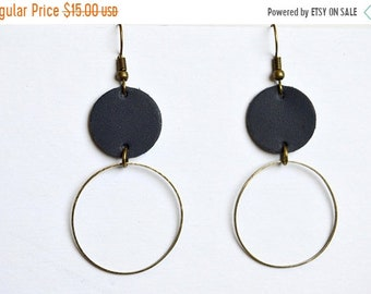 SUMMER VACATION FLASH Navy and Bronze Large Circle and Hoop  Leather Earrings: Geometric Leather earrings // Navy Blue Earrings // Leafy Tre