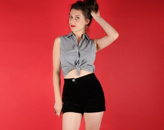 Cute 80s Vintage Rockabilly Black and White Gingham Shirt S