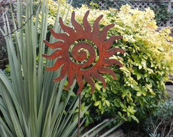 Rusty Sun Garden Decoration / Garden Gift / Sun Stake / Metal Sun Swirl Garden Gift / Sun Garden Art /Rusty Metal Garden Art/Metal Sun Decor