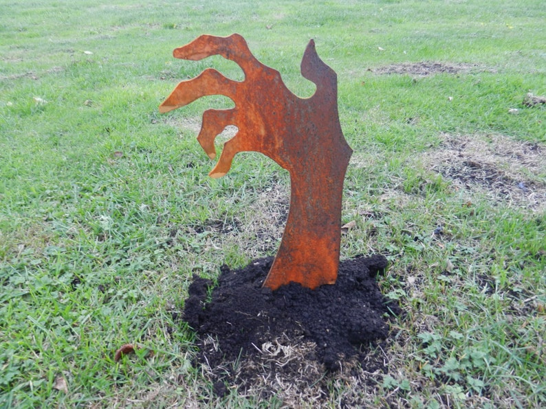 Rusty Zombie Hand / Walking Dead Zombie / Zombie Garden Art / image 0