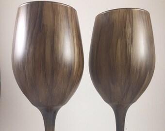 2 Wood Grain Wine Glasses