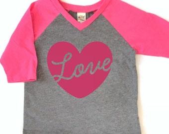 Valentine shirt for kids, Valentine shirt for girls, kids Valentine shirt, Love heart shirt, pink raglan girls