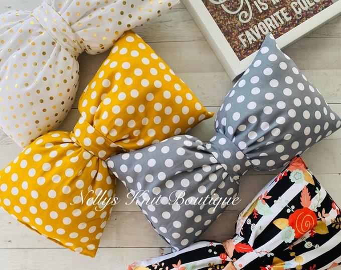 Decorative lumbar Bow Pillows
