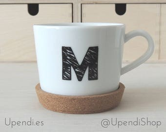 Personalized cups with letter or number with cork coasters